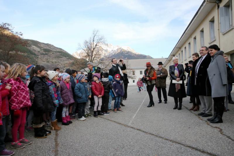 Les-enfants-ont-chante-quot-on-ecrit-sur-les-murs-quot