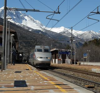 TGV in sosta-Oulx-Sestriere-13.4.2002-foto BonmartiniWalter